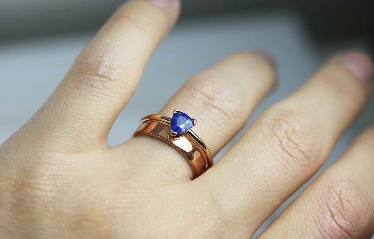 Safirul și semnificația inelului de logodnă